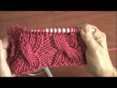 Dos agujas: ochos o trenzas, dos técnicas para realizarlos Knitting Videos, Knitting For Beginners, Loom Knitting, Knitting Stitches, Knitting Needles, Knitting Projects, Baby Sweaters, Needlework, Knitting Patterns