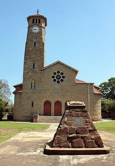 The Dutch Reform Church is found at 103 Murchinson Street, Ladysmith, KwaZulu-Natal, South Africa. It is declared a heritage site. Old Time Religion, Kwazulu Natal, Old Churches, Church Building, Beaches In The World, Most Beautiful Beaches, Chapelle, Place Of Worship, Kirchen
