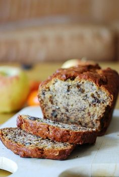 Best Banana Bread Recipe With Walnuts. Banana Nut Bread Recipe VIDEO NatashasKitchen Com. Unbelievably Moist Banana Bread Forks 'n' Flip Flops. Köstliche Desserts, Delicious Desserts, Dessert Recipes, Yummy Food, Moist Banana Bread, Banana Walnut Cake Easy, Banana Bread With Walnuts, Banana Bread With Buttermilk, Banana Walnut Bread Healthy