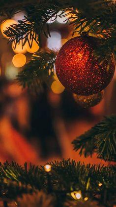 Christmas Scenes, Christmas Mood, Christmas Bulbs, Christmas Decorations, Xmas, Christmas Lockscreen, Merry Christmas Wallpaper, Fairy Lights Photos, Winter Wallpaper