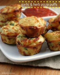 Garlic and Herb Pizza Puffs | alidaskitchen.com