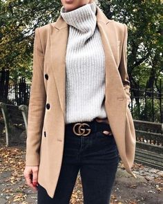 Stylish Winter Outfits with Blazer Inspiration fashion . - Stylish Winter Outfits with Blazer Inspiration fashion week street style,f - Look Blazer, Casual Blazer, Blazer Outfits, Tan Blazer, Blazer Jacket, Outfit With Blazer, Man Outfit, Outfit Jeans, Jeans Dress