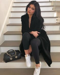 Kylie Jenner Style and Fashion Update: I love spotting a celebrity style that is an affordable high street piece because it means we can get in on. read more. Ropa Kylie Jenner, Style Kylie Jenner, Trajes Kylie Jenner, Estilo Jenner, Looks Kylie Jenner, Estilo Kardashian, Kyle Jenner, Kylie Jenner Outfits, Kylie Jenner Fashion