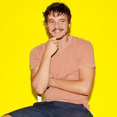 """42 Questions With """"Game Of Thrones'"""" Pedro Pascal"""
