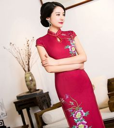 Wholesale Women's Clothing Short Sleeve Long Pattern Red Chinese Dress