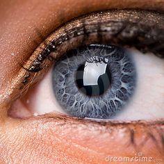 Wenn die Blumenmuster am Rand so deutlich sind, sind es Wintermuster. In schwäc. Quando o Blumenmuster am Rand é tão dedicado, é o Wintermuster. Beautiful Eyes Color, Stunning Eyes, Pretty Eyes, Cool Eyes, Rare Eyes, Iris Eye, Eye Close Up, Behind Blue Eyes, Photos Of Eyes