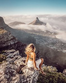 "Carlinn Meyer on Instagram: ""Mountain missions and epic views gives me all the good vibes i need ✨💛 #capetown #lovecapetown #hikingcapetown #capetownmag #southafrica…"""