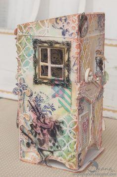 Alice in Wonderland Tea Box Artist Trading Block by Scrappylicious | @ArtTheBlock #TheATB