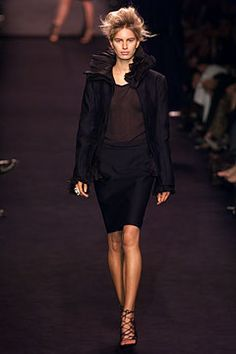 Saint Laurent - Fall 2002 Ready-to-Wear - Look 11 of 45