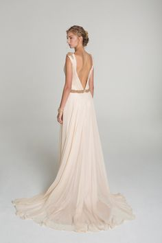 Alana Aoun Wedding Gowns Spring Summer 2014 - wow, love this one!