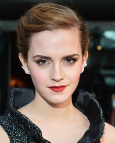 """Hairstylist on Emma Watson: """"The Pixie Cut Was a Rebirth ForHer""""   Beauty High"""