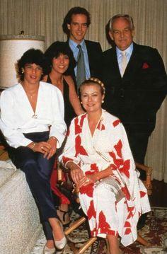 La famille Grimaldi     photo failyhola-1.jpg