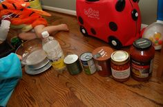 WEIGHT SORTING - Use a kitchen scale to measure out household objects and arrange from lightest to heaviest. Guess which will be the winner Measurement Games, Math Notebooks, Homeschool Math, Science Projects, Pre School, Scientists, Maths, Sorting, Kindergarten