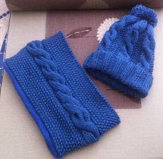 For the realization of the snood: needles - magic wool + of Bergère de Fra . Crochet Granny, Crochet Baby, Snood Scarf, Hat And Scarf Sets, Yarn Inspiration, Beret, Fingerless Gloves, Arm Warmers, Lana