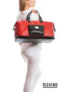 LEXIE – CHIC BY NATURE. Perfect silhouette. Modern details. This smooth leather duffel bag will make heads turn wherever you go. #travelbag #custommade #dizaind #weekender