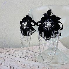 San-Tia / Náušnice s čiernou čipkou a kvetinou