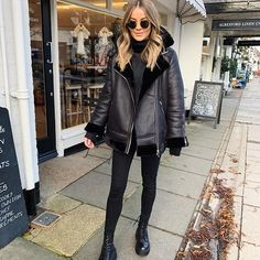 Le Fashion: Wear This All-Black Outfit for an Easy Fashion Fix Glamouröse Outfits, Casual Winter Outfits, Winter Fashion Outfits, Autumn Winter Fashion, Trendy Outfits, Fall Outfits, Casual Summer, All Black Outfits For Women, Casual Dresses