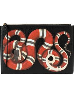 GUCCI kingsnake print clutch. #gucci #bags #leather #clutch #lining #hand bags #