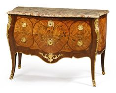 commodes/chest of drawers ||| sotheby's pf1701lot9d32ben