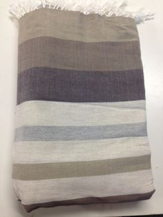 Maxi Fouta Mil Rayas Topo Towel, Blanket, Bed, Inspiration, Couch Slip Covers, Bed Feet, Stripes, Tablecloths, Tejido