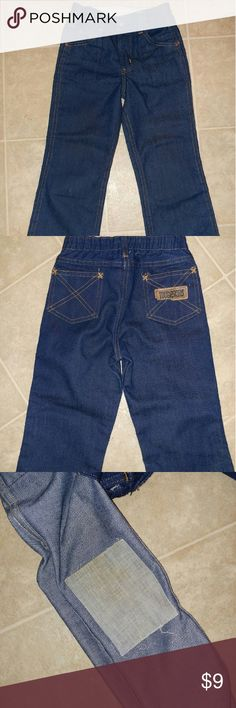 Toughskins boys size 6 stretch waist jeans Gently used, small stitch mark on lower right leg shown in first pic (left leg in pic) and the tag on the back is wearing off a bit but flawless other than that. Great for those rough boys! Knees are always the first to go in our house but these are too short for my son.! Hopefully they can find a new home!  Open to offers bundle and save! toughskins Bottoms Jeans