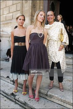 People At The Christian Lacroix Haute Couture Fall Winter Show. On July 2004 In Paris, France. Danielle Steel And Daughters Vanessa And Victoria. Fashion Bible, Danielle Steel, Christian Lacroix, Bridesmaid Dresses, Wedding Dresses, Timeless Design, Style Icons, Evening Gowns, Ball Gowns