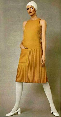 Ideas Vintage Fashion Magazine Pierre Cardin For 2019 60s And 70s Fashion, Mod Fashion, Trendy Fashion, Vintage Fashion, Bohemian Fashion, Fashion Ideas, Pierre Cardin, Moda Retro, Vestidos Vintage