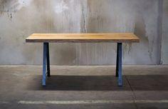 Stůl z jednoho kusu dubu