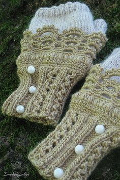 pretty fingerless mitts - crochet + knit - free pattern