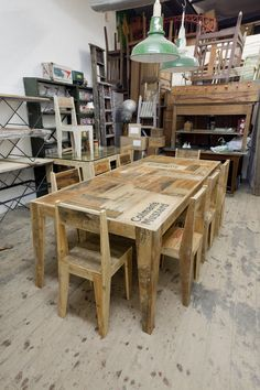 Upcycled wood crates made in to tables and chairs. Styling and Salvage: crate furniture collection Crate Furniture, Small Furniture, Furniture Design, Bespoke Furniture, Art Deco Dressing Table, Crate Table, Wood Table, Victorian Kitchen, Homemade Furniture