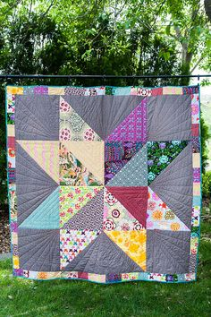 Silas' Giant Star - I made this quilt for an auction raising money for our friend's little boy, Silas, to get an Auti - Big Block Quilts, Star Quilt Blocks, Star Quilt Patterns, Lap Quilts, Scrappy Quilts, Half Square Triangle Quilts, Quilting For Beginners, Quilting Designs, Quilting Ideas