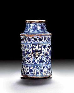 Mamluk blue and white Armorial Albarello Damascus Early 15th