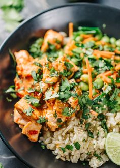 Sweet Chili Salmon Rice Bowls | The perfect balance of spicy and sweet, serve this dish over Mahatma Brown Rice for a delicious dinner idea.