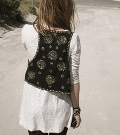 Bohemian neutral tunic + leggings and black embellished vest // beaded boho Indian Attire, Indian Wear, Indian Dresses, Indian Outfits, Look Fashion, Indian Fashion, Looks Style, Style Me, Gilet Jeans