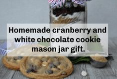 Homemade cranberry and white chocolate cookie mason jar gift. Mason Jar Gifts, Mason Jars, Batch Cooking, Cooking Recipes, Easy Homemade Gifts, White Chocolate Cookies, Frugal Family, Love Cake, Dessert Recipes