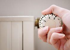 Richtig heizen kann viel Geld sparen. Wir erklären, wie ihr typische Heiz-Fehler vermeidet - und es zuhause trotzdem schön warm habt.