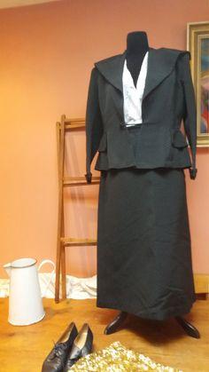 ANTIQUE WOMANS SUIT vintage black Edwardian-1910 english skirt jacket medium large theatre wardrobe fitted tailored by VICKYSILKVINTAGE on Etsy