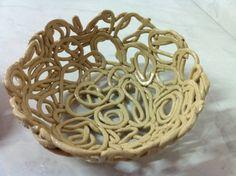 Peça em cerâmica marfim