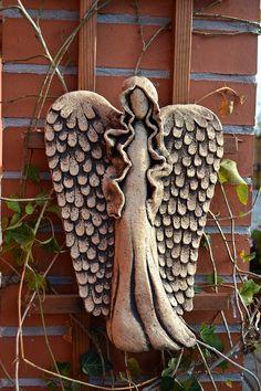 Anděl závěsný / Zboží prodejce KeraMKa | Fler.cz Clay Projects, Clay Crafts, Clay Art, Pottery, Texture, Dolls, Wood, Christmas, Ideas