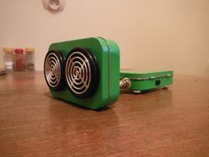 Altoids Tin Speaker System van VintagedUp op Etsy, $90,00