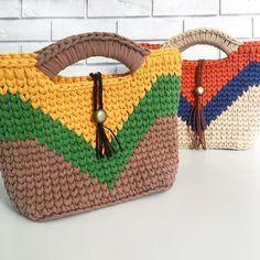Сумочки в наличии вы всегда можете найти по тегу #happytia_readytobuy . Эти две сумки тоже ждут встречи со своими хозяйками. Стоимость 17000 тенге/3100 руб. . . . . . #dossovapurse #dossova #purse  #craftedpurse  #knittedpurse  #knittedbag  #handmadebag  #handmadepurse #tyarn #iknit #icrochet  #tyarnbag  #tyarnpurse  #madeinkz  #happytiayarn  #вяжусhappytia  #вяжутнетолькобабушки  #сумкаизтрикотажнойпряжи
