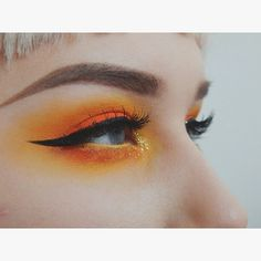 Skin Care Tips For Beautiful Skin Orange eye makeup – love these colours x – Das schönste Make-up Makeup Goals, Makeup Inspo, Makeup Art, Makeup Inspiration, Beauty Makeup, Daily Makeup, Makeup Ideas, Orange Eye Makeup, Yellow Makeup