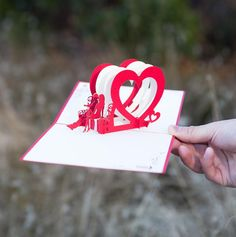 We  this shot of our Heart Bench pop-up card that @thirdeyechic photographed. Anyone have an anniversary coming up?