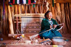 native american story / woman weaving/ dog pulls out weaving Rug Loom, Loom Weaving, Navajo Nation, Navajo Rugs, First Nations, Nativity, Native American, Arts And Crafts, Heart