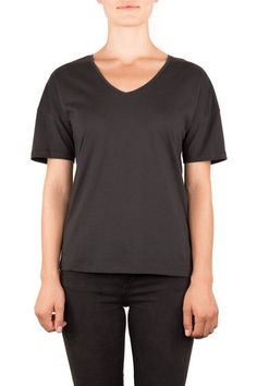 LOOSE | BIO-BAUMWOLLE T-SHIRT - Funktion Schnitt  - #organiccotton #tshirt #shirt #womensstyle #womenswear #fashion #womensfshion #look #funktionschnitt #casual #basic #vneck