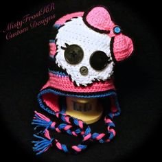 Cute and fun Monster High inspired hat! This handmade crochet hat is the perfect addition to your little darling's wardrobe! Customize this hat in the colors and size of your choice and we will do the Crochet Skull Patterns, Baby Hat Patterns, Crochet Art, Crochet Crafts, Crochet Projects, Crochet Kids Hats, Crochet Beanie, Crochet Animals, Crochet Scarves