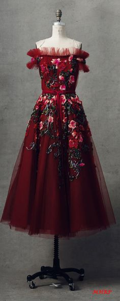 59 trendy fashion show runway colour Couture Fashion, Runway Fashion, Fashion Show, Trendy Fashion, Evening Dresses, Prom Dresses, Formal Dresses, Beautiful Gowns, Beautiful Outfits
