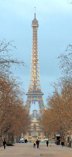 Paris in Winter! © French Moments #EiffelTower #TourEiffel #Paris #VisitParis #ParisIleDeFrance