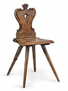 Támlás szék  Dunántúl, 19. sz. közepe, faragott körtefa, egyik lába fémmel megerõsítve  89*43*35 cm