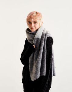 Cachecol bloco soft - Cachecóis e lenços - Complementos - Mulher - PULL&BEAR Portugal